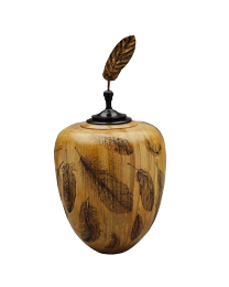 Pecan wood urn with pyrogravure eagle design